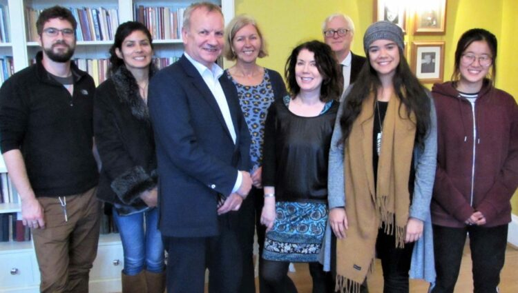 Pete Wishart MP meets community